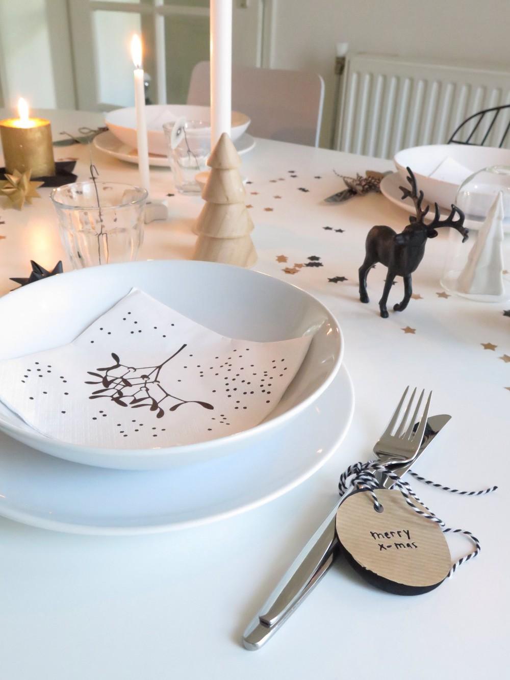 Scandinavian inspired Christmas dinner table
